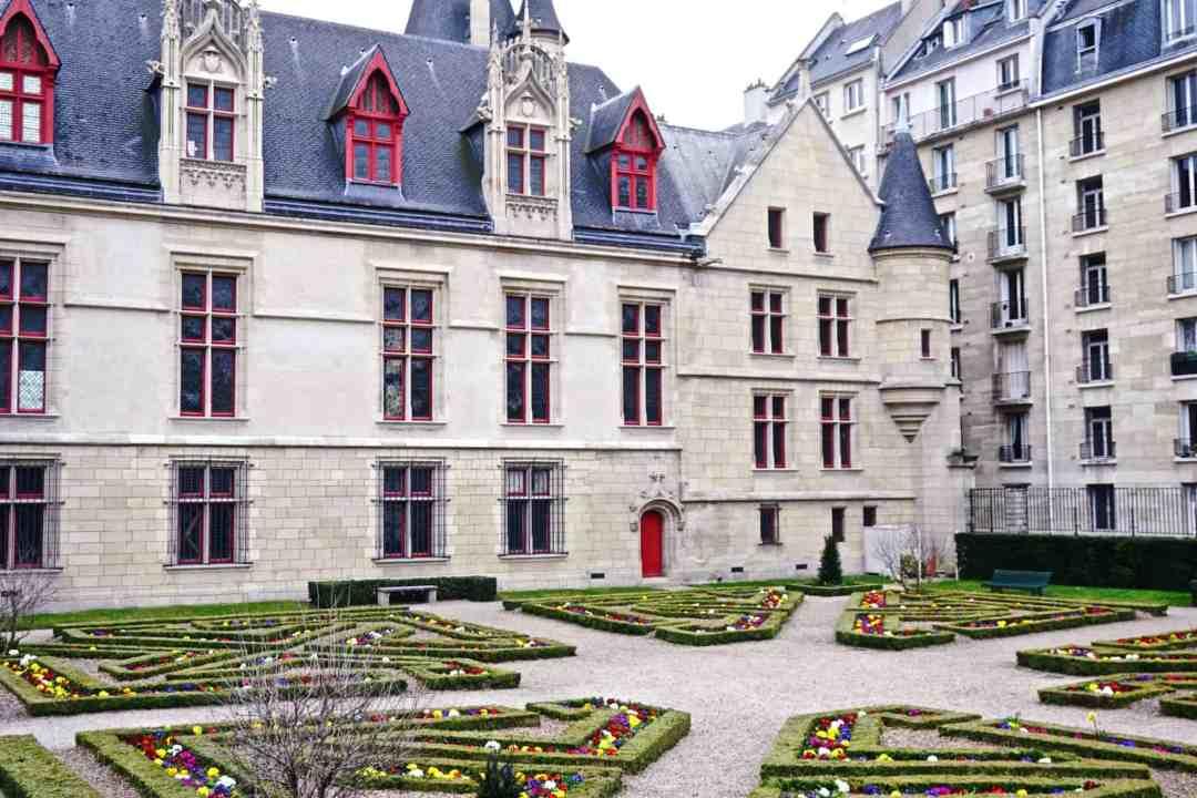 Hotel de sens my secret paris locations solosophie for Secret de paris booking
