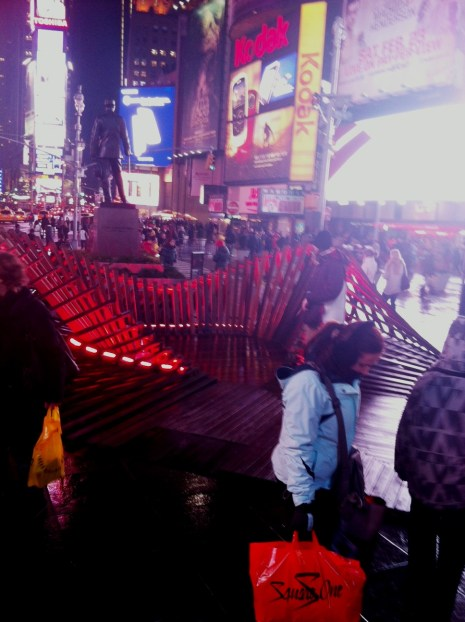 """""""Heartwalk"""" in Times Square, the Sculpture was Designed by Situ Studio, it Includes New York and New Jersey Boardwalk Boards Salvaged from the Aftermath of Hurricane Sandy (2013)"""