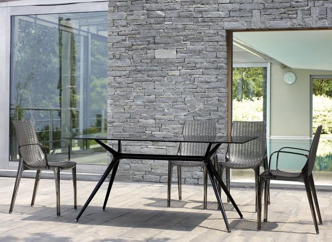 Mesa de cristal rectangular de diseño