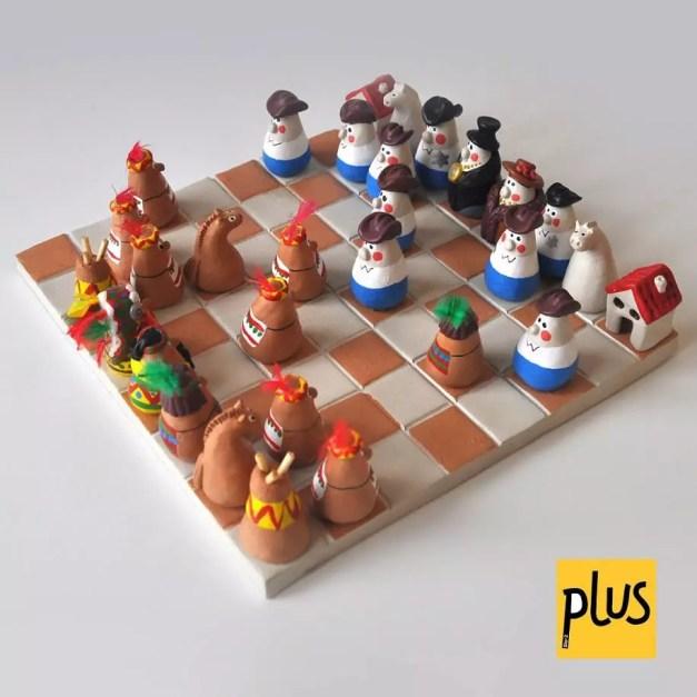 Jeux d'échecs en Argile plus
