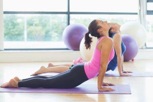 Mal de dos Yoga posture Cobra