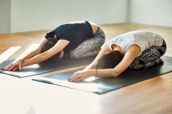 Mal de dos Yoga posture enfant