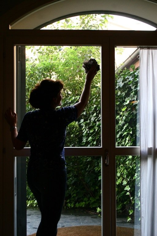 Finestre all americana good dunxdeco breve tenda per - Pulire vetri finestre ...