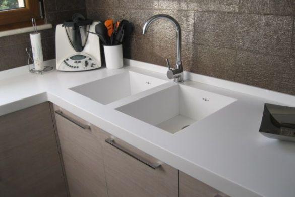 Pulitori per mobili naturali come il legno soluzioni - Come pulire i mobili in legno della cucina ...