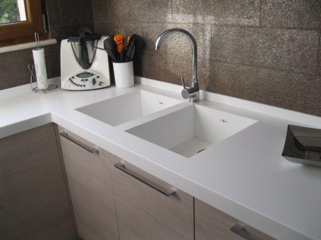 Come pulire il lavello della cucina soluzioni di casa - Top cucina laminato opinioni ...