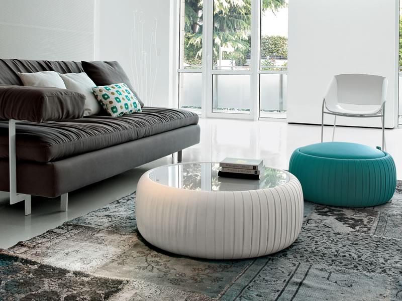 Arredamento in soggiorno i pouf soluzioni di casa