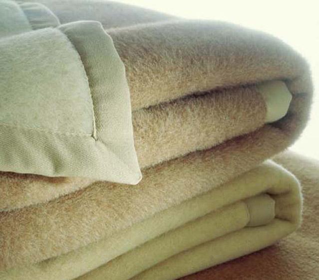 Come lavare la lana dei cuscini | Tutto per Casa