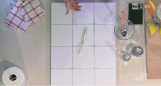Come pulire le piastrelle e le fughe - Soluzioni di Casa