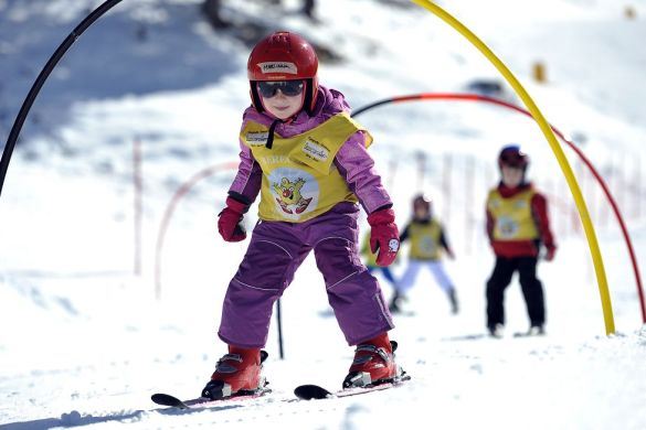 come scegliere la scuola di sci per i bambini
