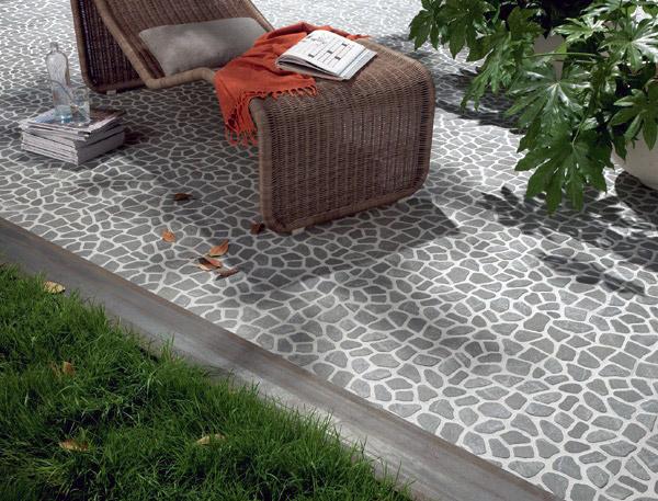 Come pulire un terrazzo con piastrelle di ciottoli con metodi