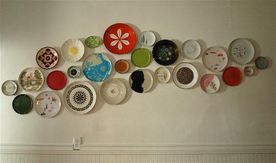 come riutilizzare i piatti spaiati