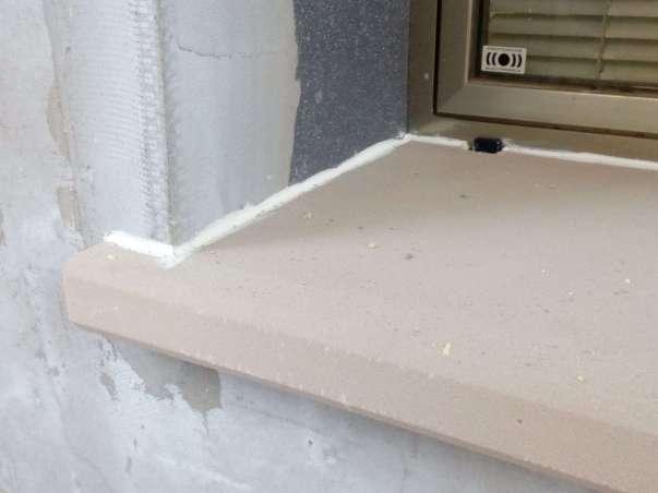 Incollaggio bancale in EPS pre-rasato con Policol malta adesiva