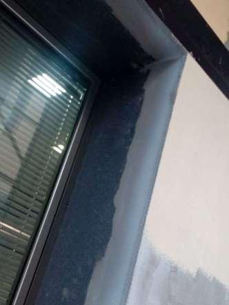 Posa di pannello in EPS spessore 20 mm per copertura spalletta in pietra