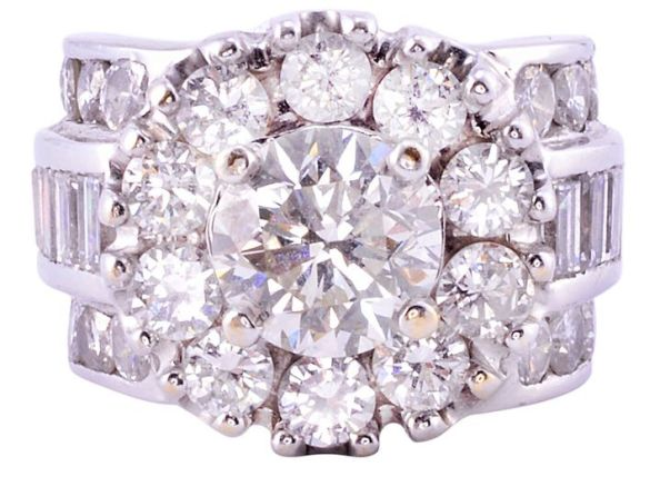 2.01 Carat VS1 Center Diamond Ring