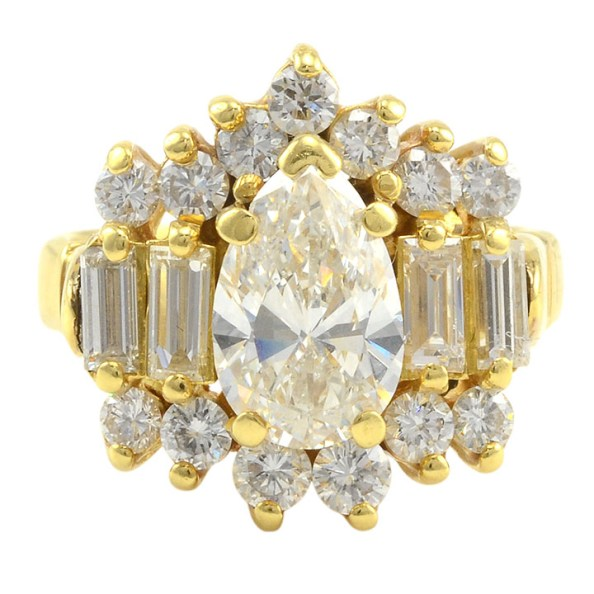 1.50 Carat VS2 Pear Center Diamond Ring