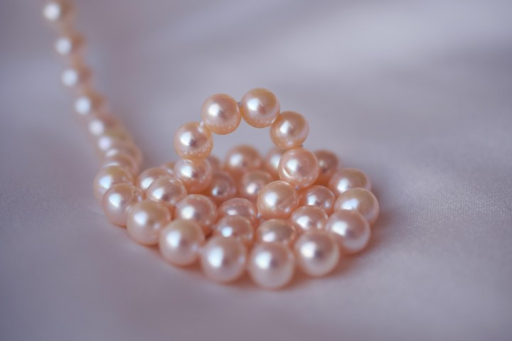 Tips for Identifying Pearls Used in Antique Jewelry