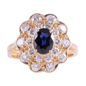 18K Oval Sapphire VS Diamond Ring