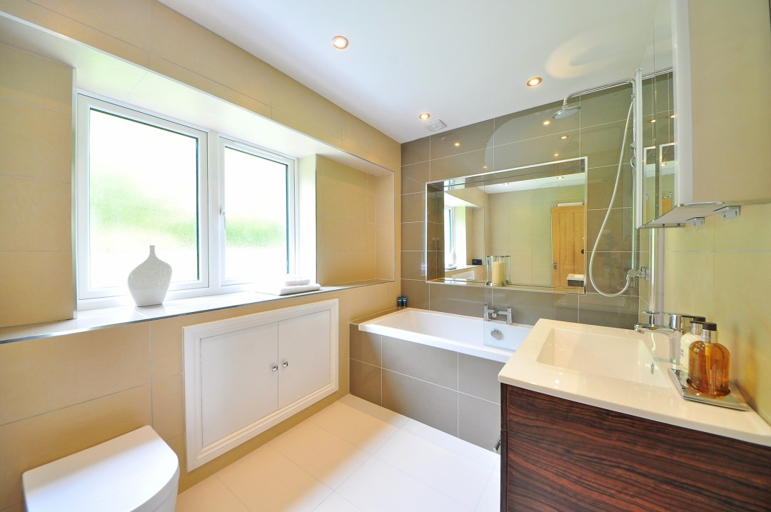 maximize space in your small bathroom