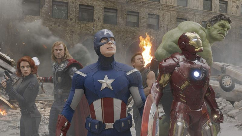 Scarlett Johansson, Chris Hemsworth, Chris Evans, Jeremy Renner, Robert Downey Jr., and Mark Ruffalo in The Avengers