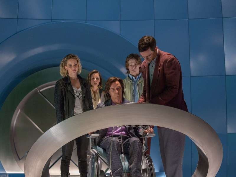 (from left) Jennifer Lawrence as Raven/Mystique, Rose Byrne as Moira MacTaggert, James McAvoy as Charles/Professor X, Lucas Till as Alex Summers/Havok and Nicholas Hoult as Hank McCoy/Beast, in X-MEN: APOCALYPSE.