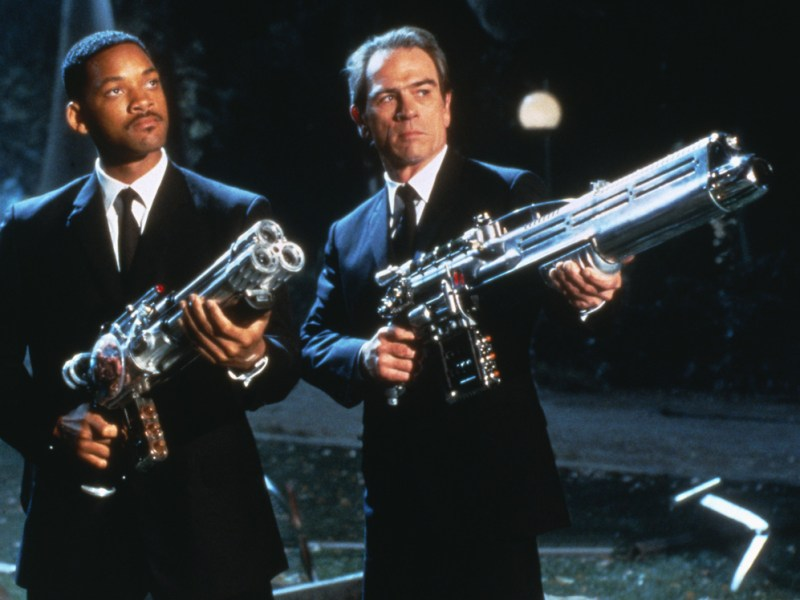 Agent Jay (Will Smith) and Agent Kay (Tommy Lee Jones) in Columbia Pictures' Men in Black.