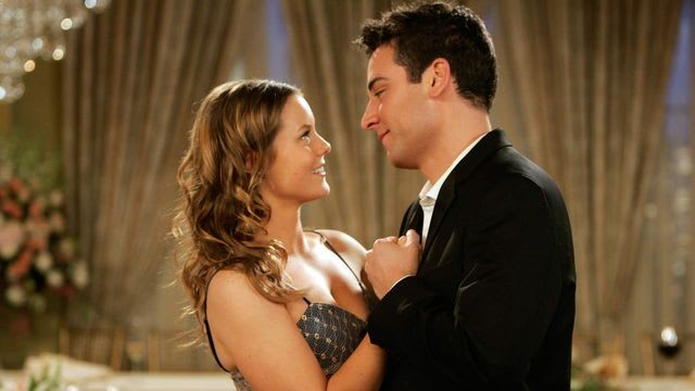 Ashley Williams and Josh Radnor in How I Met Your Mother