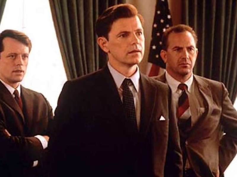 Steven Culp, Bruce Greenwood, and Kevin Costner in Thirteen Days.