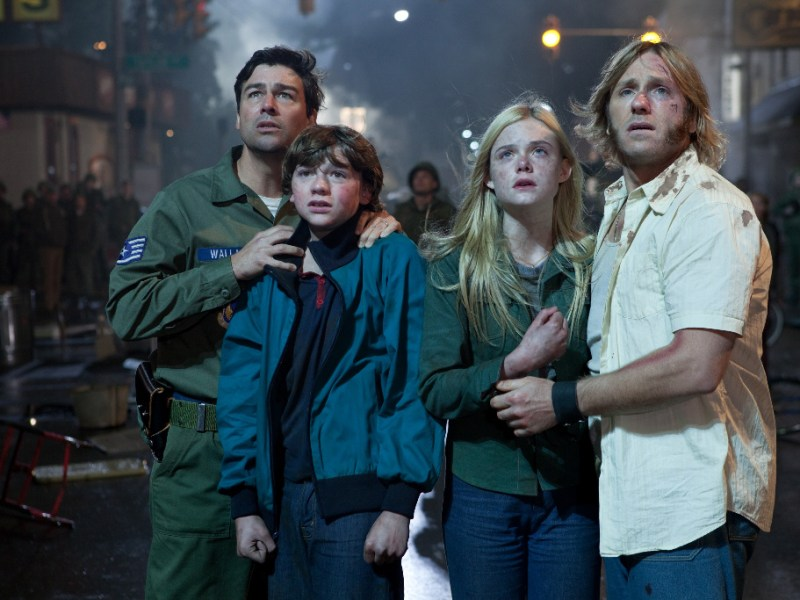 Kyle Chandler, Joel Courtney, Elle Fanning, and Ron Eldard in Super 8.