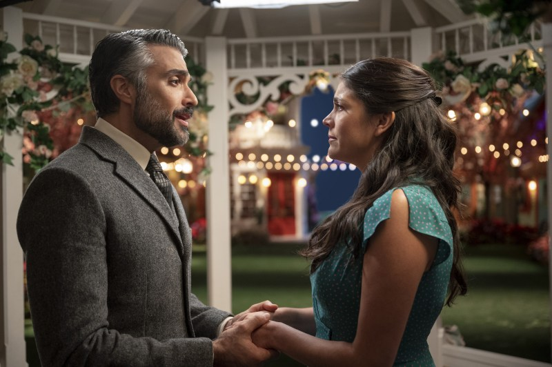 Jaime Camil and Cecily Strong in Schmigadoon!