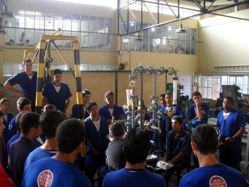 Entrega técnica, instalação e treinamento de bancadas didáticas na cidade de João Neiva/ES