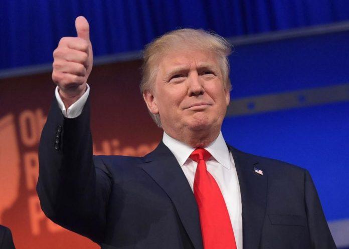 Trump Flashes The Thumbs Up.jpg.crop .promo Xlarge2 1024x731