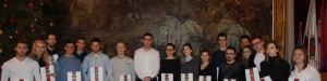 Zamenik-gradonacelnice-Antonio-Ratkovic-sa-studentima-stipendistima-grada-1600x400