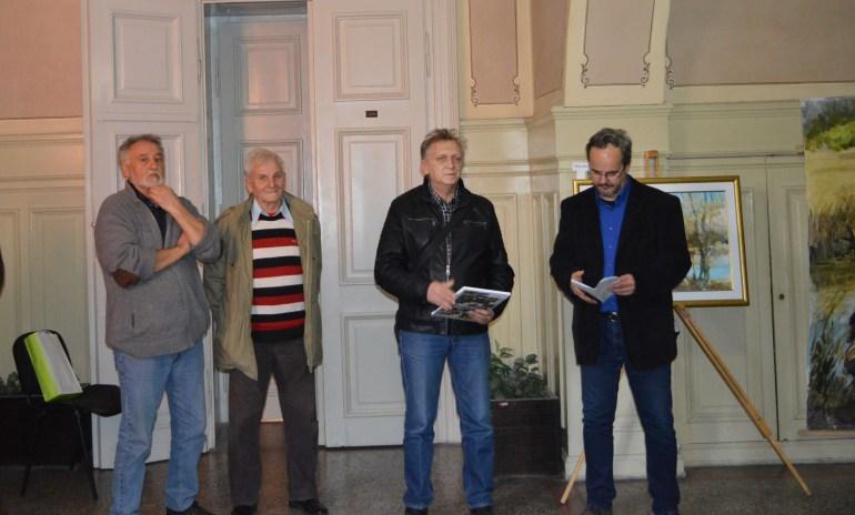 Slikari Stipan Kovač , Milorad Rađenović i predsednik MZ Bački Monoštor Stipan Benić