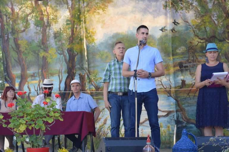 Гости и мештани на прослави седам векова Бачког Брега