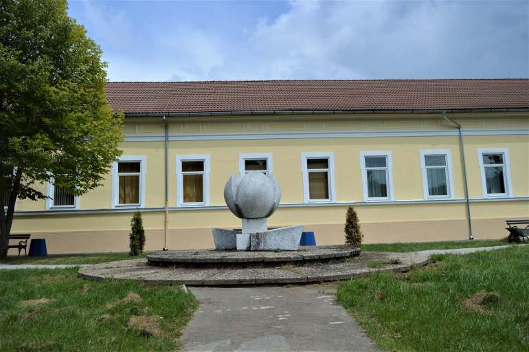 """Реновирана фасада зграде Месне заједнице """"Чонопља"""""""