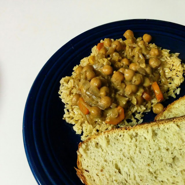 Meatless Friday: Curry Chickpeas and Rice {by Amanda}