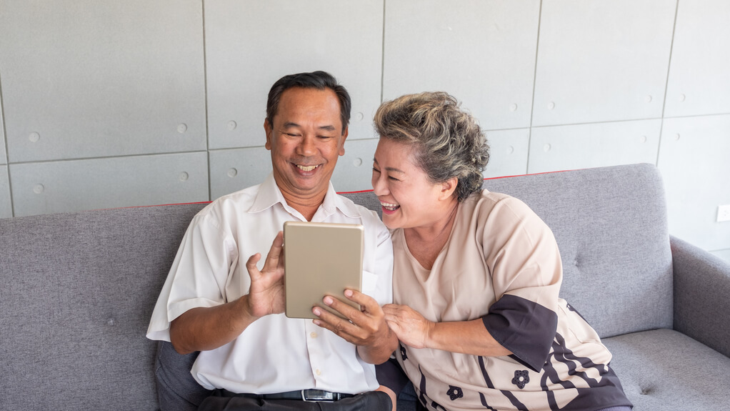 3 Reasons Why Somerset Woods Recommends Seniors Utilize Technology