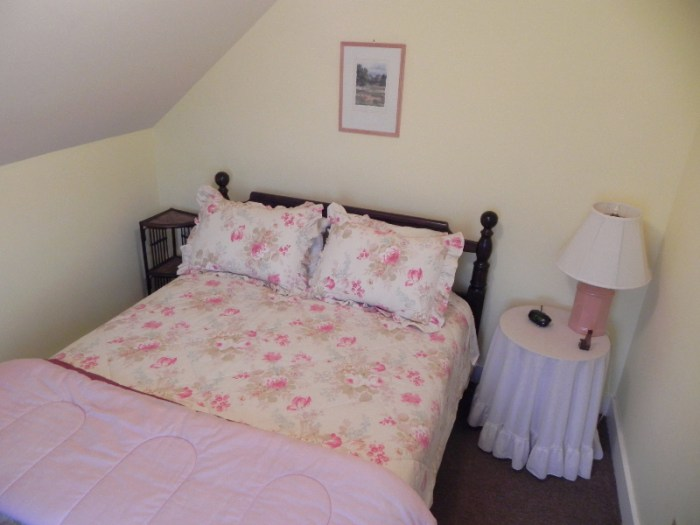 Back Double Bed bedroom