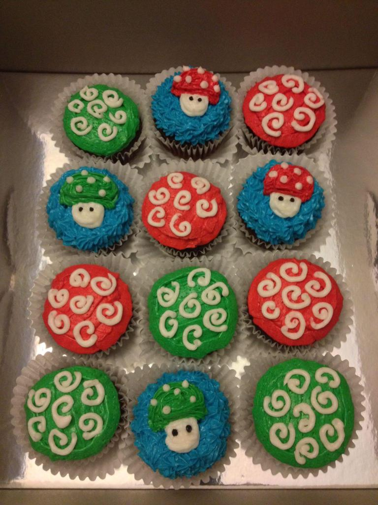 It's a-Mario!  Super Mario Brothers Themed Birthday Cupcakes
