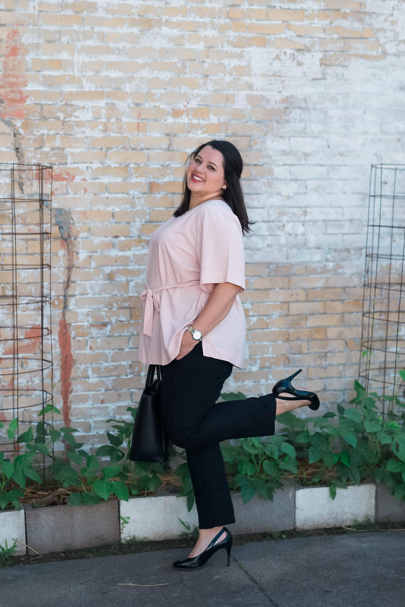 Work, Work, Work - The perfect business casual work attire to be a #girlboss   Something Gold, Something Blue a curvy fashion blog