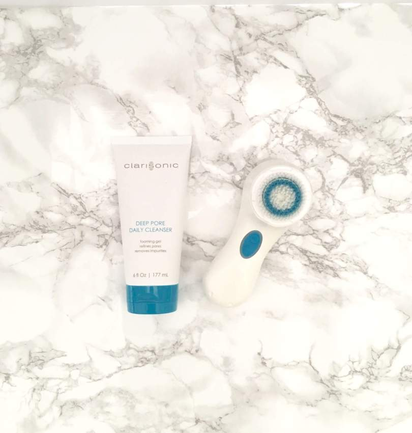 Using my Clarisonic Mia 2 while traveling has been a game changer in having glowing skin. The motorized brush cleanses my skin much better than a typical washcloth and leaves my skin feeling skweeky clean. - Traveling with my Clarisonic Cleansing Brush by popular Houston travel blogger Something Gold. Something Blue