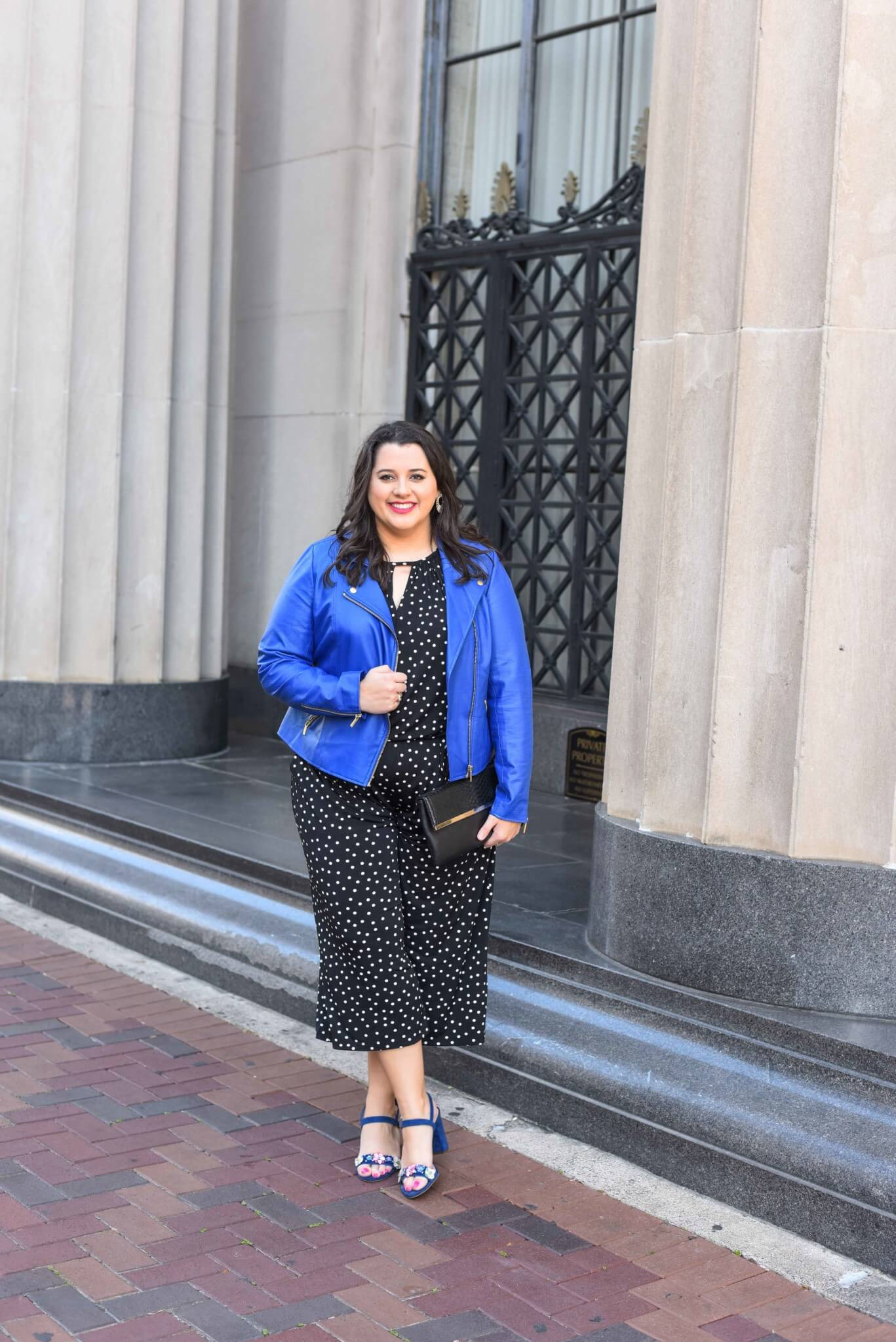 Wearing a jumpsuit as a curvy woman was never something I thought I would be able to pull off, but this black and white jumpsuit is the perfect spring style staple in my wardrobe. Not only does it look chic, it's also effortless to wear. Curvy style and plus size fashion trends brought to you by Emily from the blog, Something Gold, Something Blue.