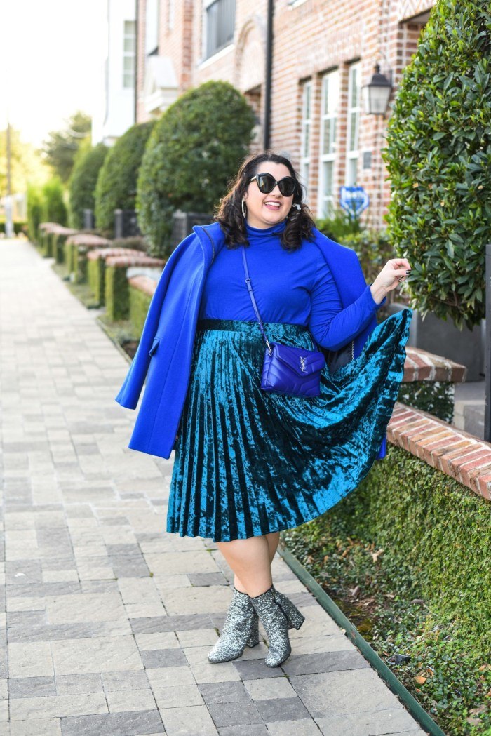 Looking fabulous and wearing the latest fashion trends can be done by anyone at any size. Something Gold, Something Blue is sharing how she is embracing the monochromatic trend by styling an all blue outfit.