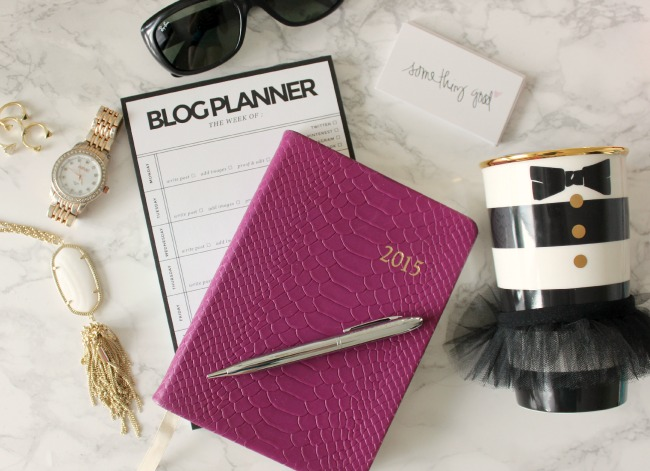 The B Bar Link Up: Hidden Talents | Something Good, kendra scott necklace, starbucks mug, gigi nyc planner, whitney blake blog planner