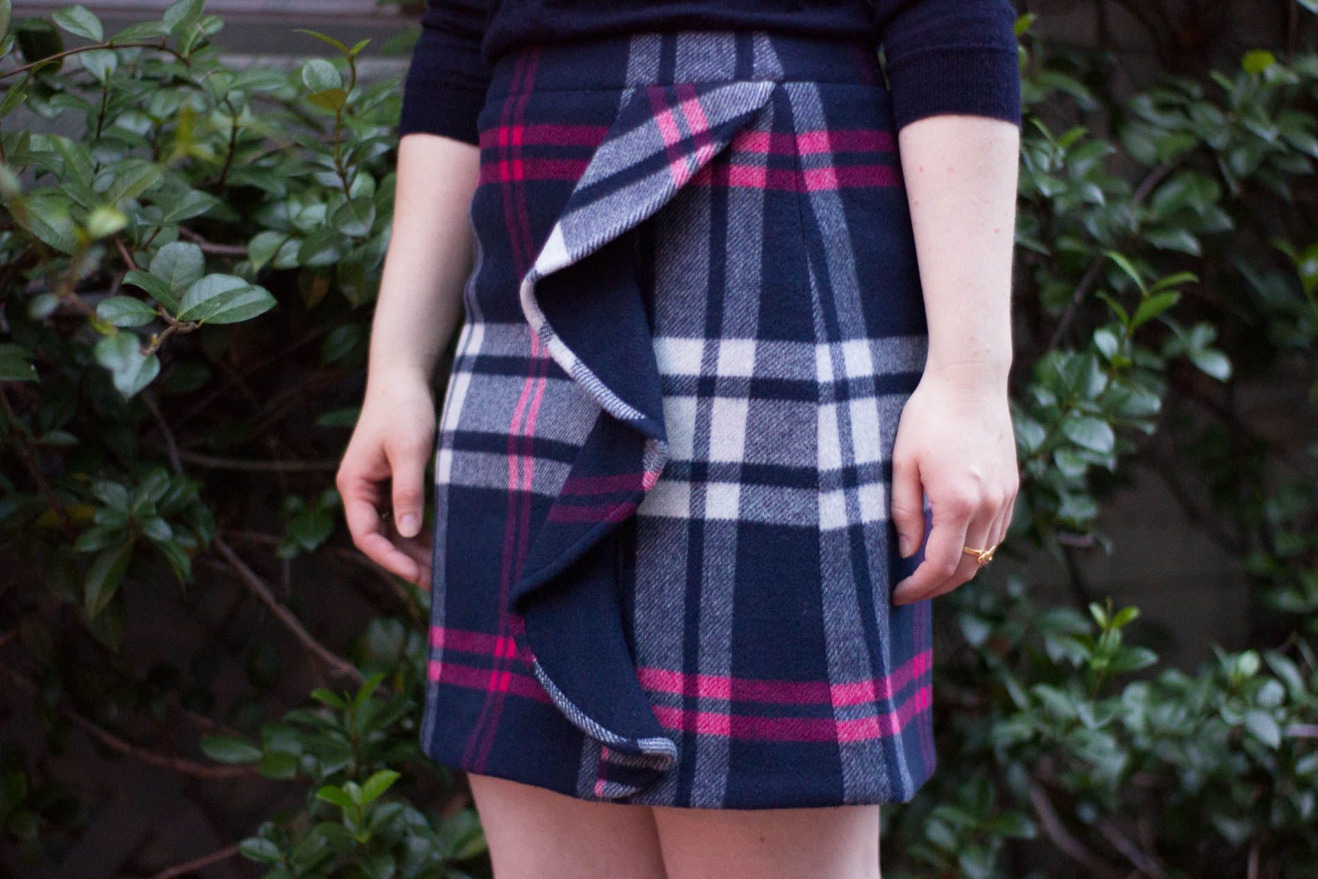 The 5 Days to Holiday Savings Challenge | Something Good, @danaerinw , plaid skirt, ruffled skirt, fall fashion, fall style, navy plaid,