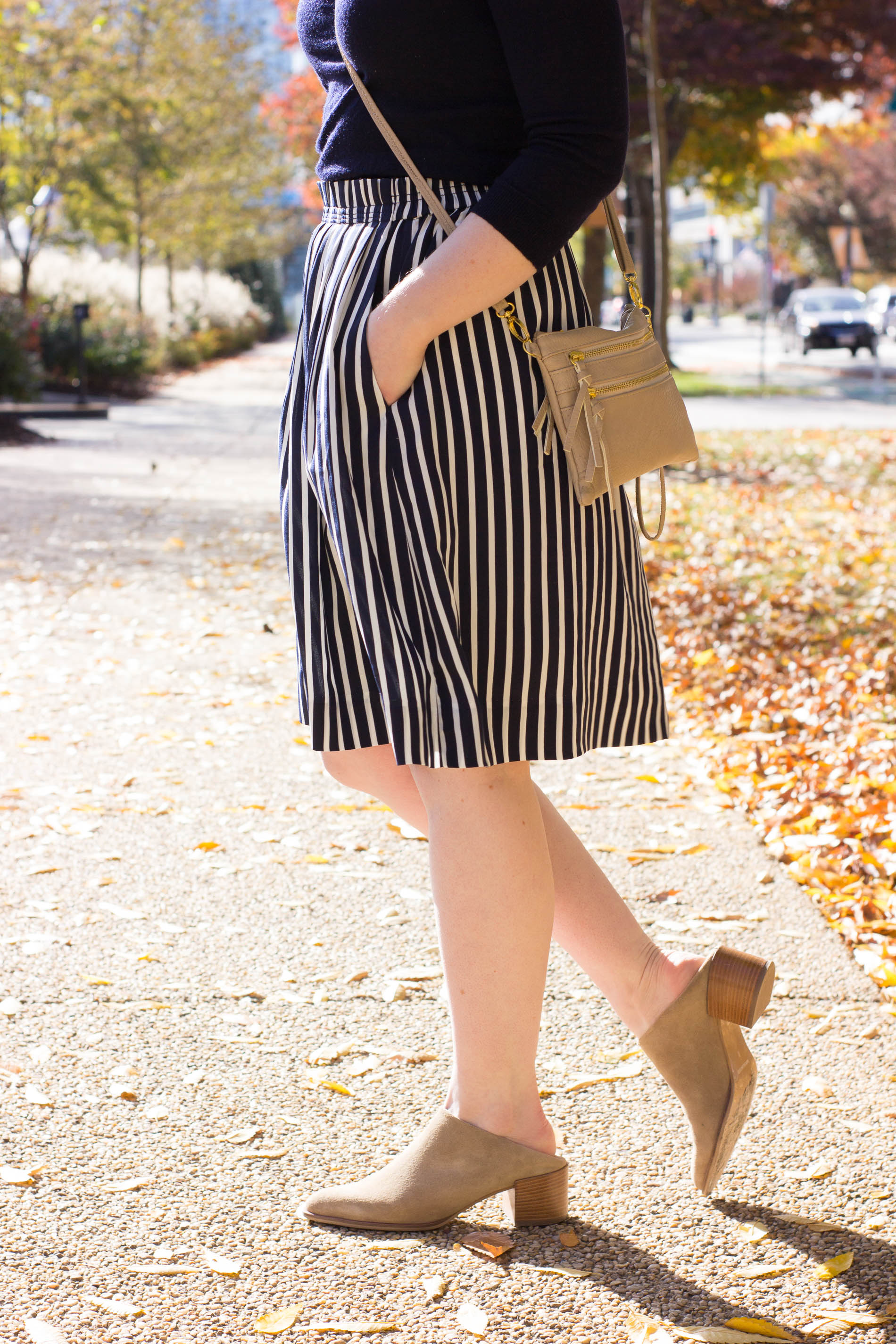 5 Easy Thanksgiving Outfit Ideas | Something Good, @danaerinw , everlane suede mules, heeled mules, striped skirt, midi skirt, crossbody bag