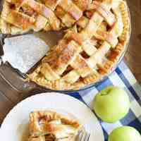 Paula Deen's Apple Pie