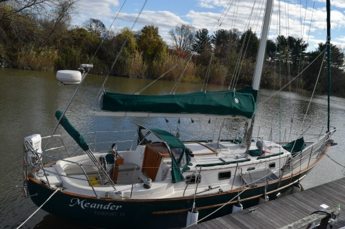Sailing boat Meander is safe and pretty. But not dog friendly.