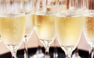 What's the Difference Between Champagne and Prosecco? | Sommelier Q&A | Christian Oggenfuss, CEO Napa Valley Wine Academy