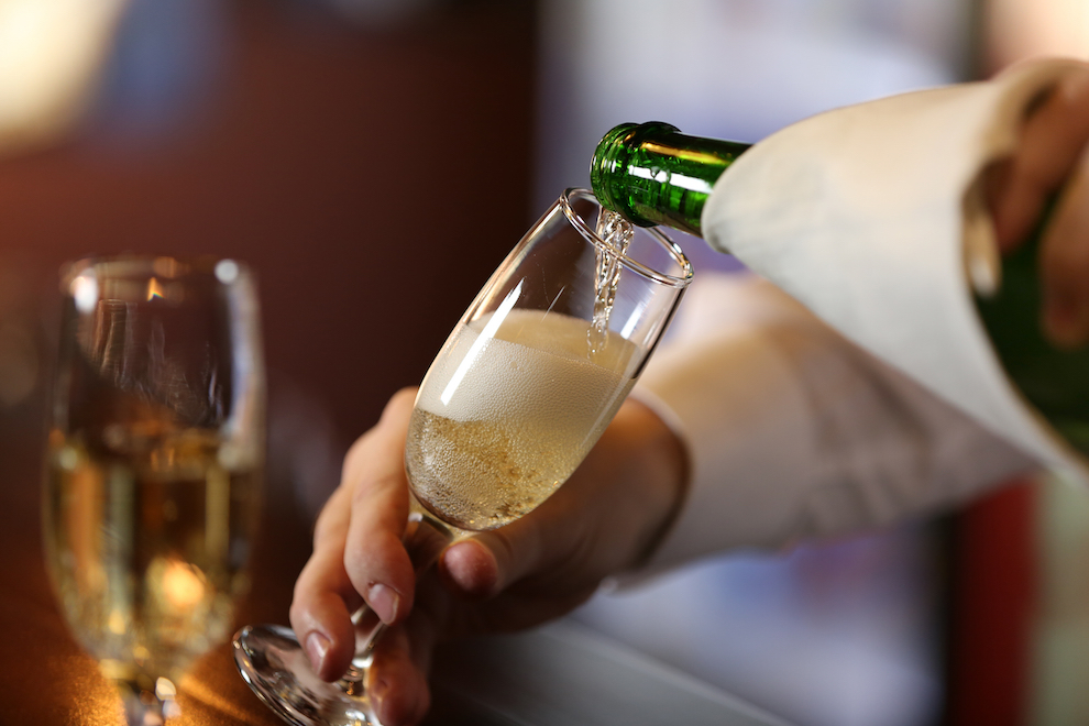 What is a Blanc de Blancs Champagne? | SommelierQA.com